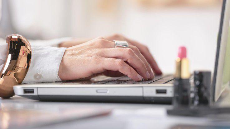Trotz diverser Maßnahmen wie dem Girl`s Day und MINT-Fächern sind Frauen in IT-Berufen noch immer stark unterrepräsentiert.