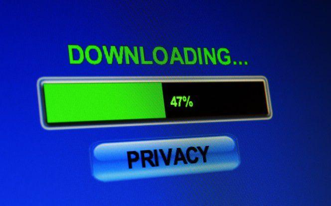 Ob erlaubt oder mit kriminellen Hintergedanken - Firmendaten sollten nur kontrolliert das Unternehmen verlassen.