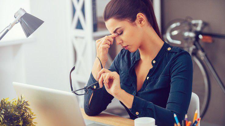 Kopfschmerzen sind bei vielen Arbeitnehmern oft stressbedingt.
