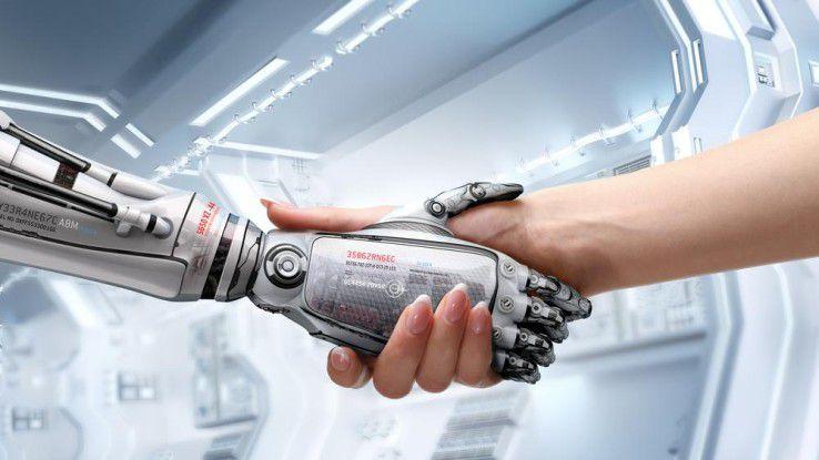 Mensch und Roboter Hand in Hand, das wird nur funktionieren, wenn die Menschen nicht ständig Angst davor haben, verdrängt zu werden.
