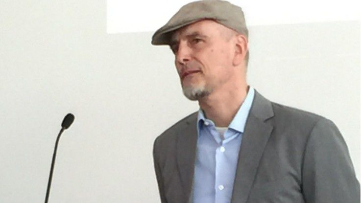 Professor Dr. Jürgen Schmidhuber ist Scientific Director am Swiss AI Lab IDSIA, Professor of Artificial Intelligence USI & SUPSI und President bei NNAISENSE.
