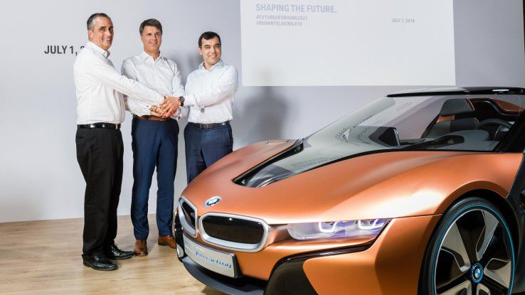Gemeinsam für autonomes Fahren: Intel-CEO Brian Krzanich, BMW-Vorstandsvorsitzender Harald Krüger und Mobileye-CTO Amnon Shashua.
