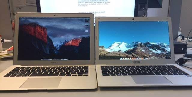 Links das MacBook Air 13 Zoll, rechts das InfinityBook von Tuxedo