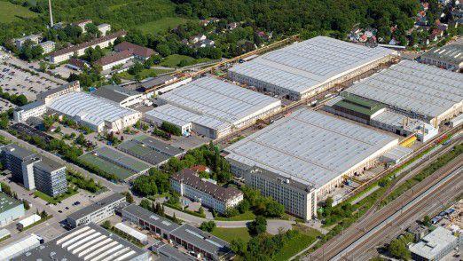 KraussMaffei spart durch intelligente, vernetze Lampen 400.000 Euro im Jahr.