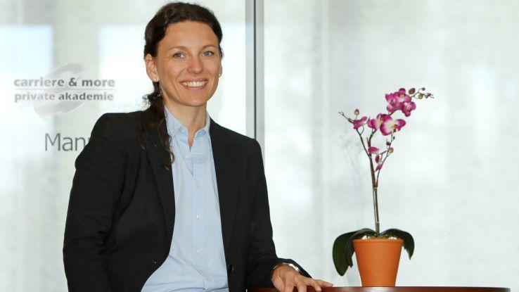 Karriereberaterin Simone Stargardt ist der Ansicht, dass bei einer großen Menge an Bewerbungen auf wenig Stellen eine Bearbeitung ohne Online-Vorauswahl nicht möglich ist.