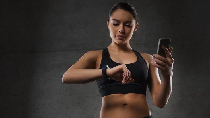 Jawbone, Fitbit oder Sony Smartband und mehr - wir testen für Sie sechs beliebte Fitness-Tracker.