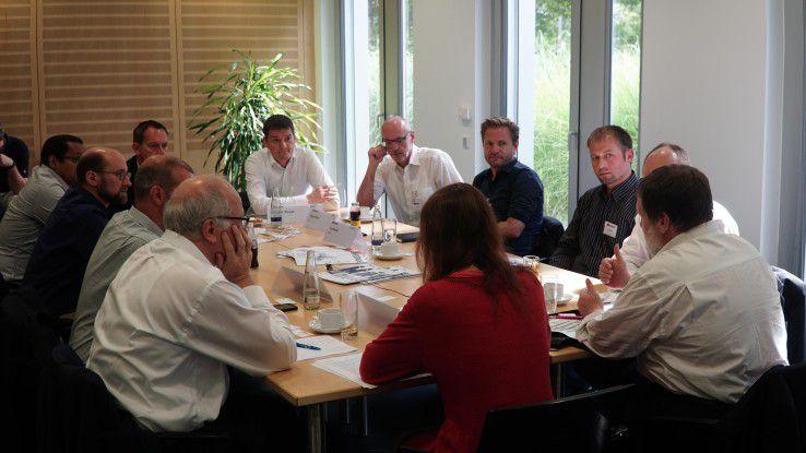 Lebhaft diskutierten die Teilnehmer des IoT-Roundtable über die neuen Business-Modelle rund um das Internet of Things.