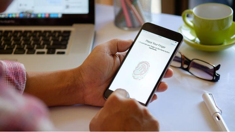 Biometrische Authentifizierung per Fingerabdruck-Erkennung
