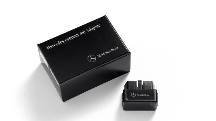 Mit dem conncet-me-Adapter hat Mercedes als OEM auch eine Dongle-Lösung zur Nachrüstung in Sachen Connected Car im Programm.