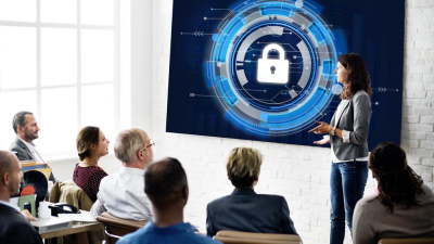 Service & IT-Sicherheit: So geht integratives Management - Foto: rawpixel.com - shutterstock.com