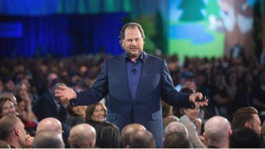 Salesforce-Chef Marc Benioff zog zwar bei LinkedIn den Kürzeren gegen Microsoft, schlug dafür aber bei DemandWare und Krux zu.