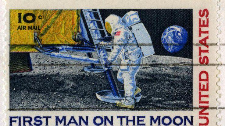 """Während die Welt 1969 die Mondlandung feierte - begann eine andere Revolution - der Siegeszug des Internets - unbemerkt von der Öffentlichkeit mit der Übertragung des Wortes """"login""""."""