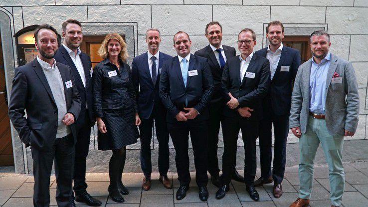 Unser Bild zeigt von links: Stefan Symanek (Gulp), Simon Gravel (freelance.de), Karen Funk (COMPUTERWOCHE), Michael Girke (Q_Perior), Kai-Oliver Böhm (Experis), Thomas Riedel (Hays), Bernd Sauer (Goetzfried), Florian Spelz (DIS) und René Troché (Westhouse Consulting)