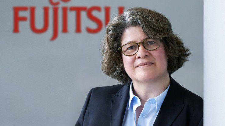 """Vera Schneevoigt, Leiterin der Augsburger PC-Produktion bei Fujitsu, sagte zu einer potenziellen Zusammenarbeit mit Lenovo: """"Hier wird noch sondiert""""."""