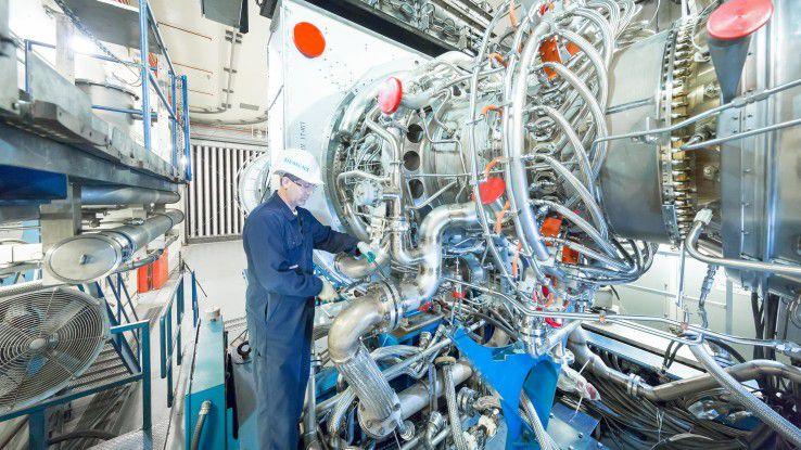 Dank Brennersteuerung per KI konnte Siemens bei seinen Gasturbinen den NOx-Wert um 20 Prozent reduzieren.