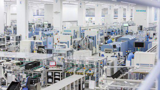 Die Siemens Digital Factory in Amberg gilt als Beispiel für Produktautomatisierung.