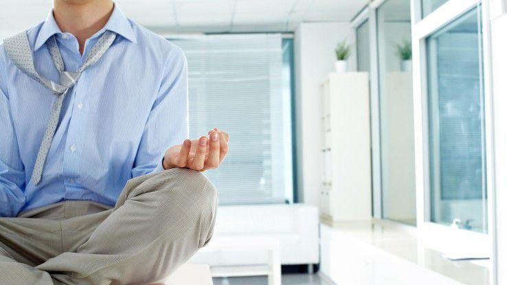 Durch gezielte Meditations- und Achtsamkeitsübungen kann die Aufmerksamkeit und die Konzentration verbessert werden.