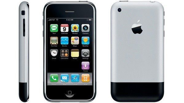 Dick, hässlich und mit einer viel zu geringen Auflösung aus heutiger Sicht - so präsentierte sich das erste iPhone 2007.
