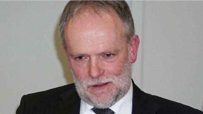 Autor Franz Nees ist Dekan der Fakultät für Informatik und Wirtschaftsinformatik an der Hochschule Karlsruhe – Technik und Wirtschaft.