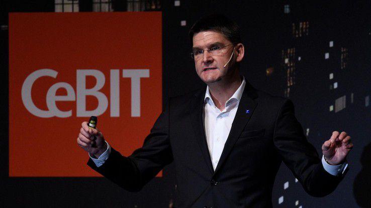 Oliver Frese, Vorstand der Deutschen Messe AG, verspricht, die Digitalisierung auf der CeBIT 2017 konkret erlebbar zu machen.