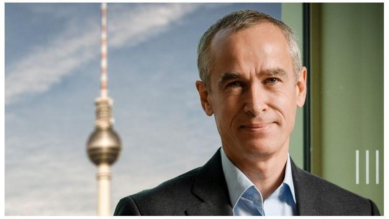 ESMT-Studiendekan Christoph Burger hat sich intensiv mit dem Einsatz von Blockchain in der Energiewirtschaft beschäftigt.