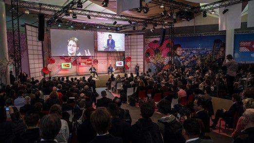 Der Live-Auftritt von Edward Snowden sorgte für Andrang auf der CeBIT.