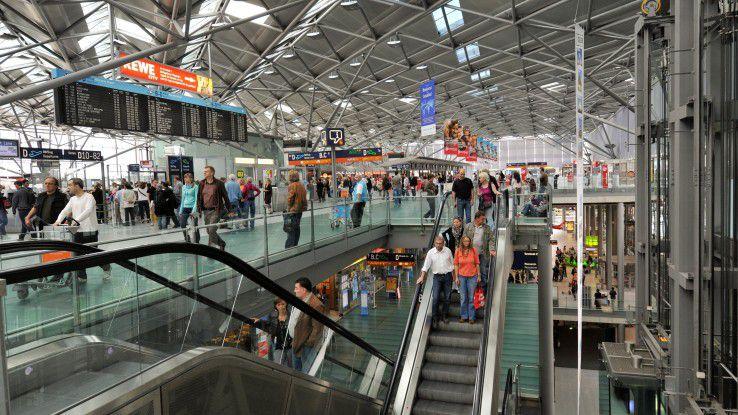 Dank aktueller Informationen können die Passagiere ihre Zeit am Flughafen entspannter nutzen - und gehen dann hoffentlich Einkaufen, so das Kalkül des Betreibers.