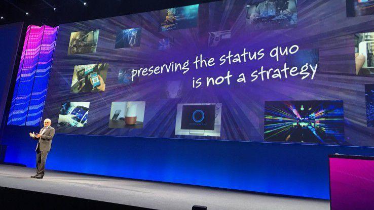 Adobe-CEO Shantanu Narayen stimmt Kunden auf die Herausforderungen der Digitalisierung ein.