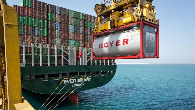 Hoyer überwacht seine Tankcontainer rund um den Globus.