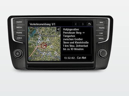Inrix versorgt via Car-net auch VW-Fahrer mit Echtzeitverkehrslageinformationen. Voraussetzung ist allerdings das teure Discover Pro-Radio-/Navigationsgerät mit Farb-Touchscreen. Zudem fallen für Car-net zusätzliche Kosten an.