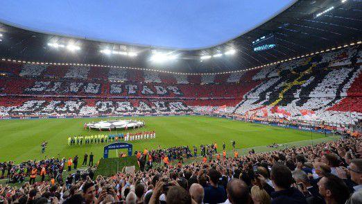 """""""Wir bieten einem Fan in Japan morgens auf einem Smartphone einen anderen Content an als einem Fan nachmittags in Brasilien, der gerade per Desktop surft,"""" sagt Stefan Mennerich, Direktor Medien, Digital und Kommunikation beim FC Bayern."""