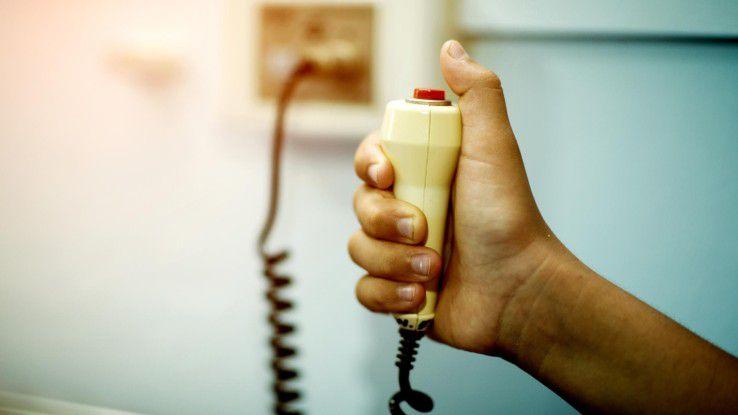 Notfallpatient IT Security: Bei vielen Geräten aus der Medizintechnik haben Hacker allzu leichtes Spiel.