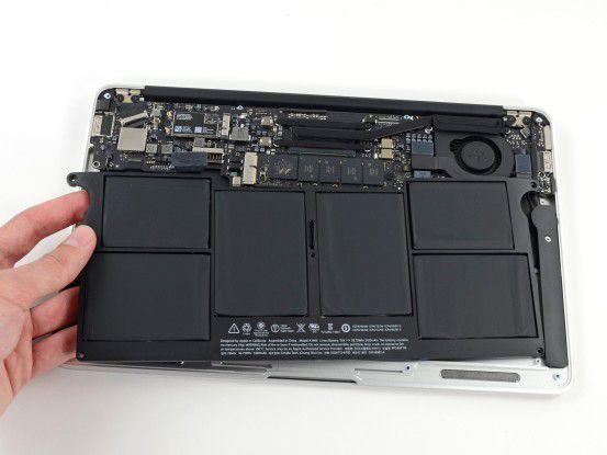 Bei vielen neueren Macs – hier das Macbook Air – muss man sich vor dem Kauf für die Speicherausstattung entscheiden, da keine Steckplätze vorhanden sind.