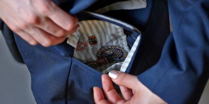 Notfall-Jacke: Sensoren in der Jackentasche geben ein Signal an ein Smartphone, das wiederum einen Anruf bei einer für Notfälle gespeicherten Nummer auslöst