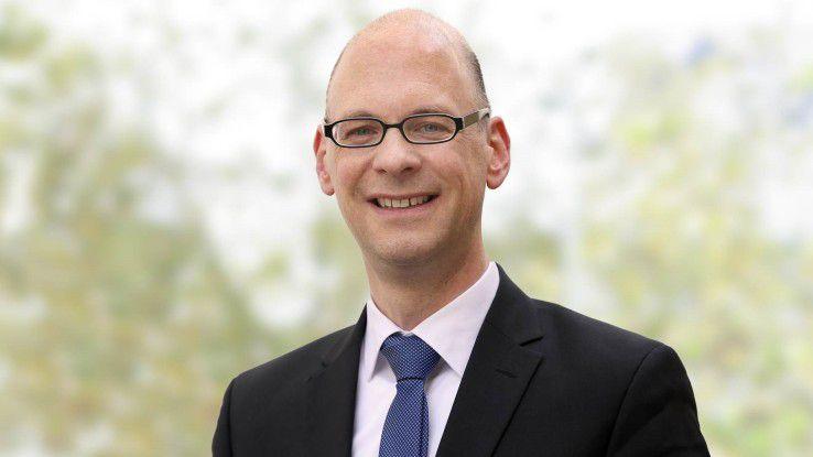 Der Wirtschaftswissenschaftler Prof. Dr. Till Mettig lehrt seit eineinhalb Jahren an der Fernhochschule und leitet den Master-Studiengang Digital Management.