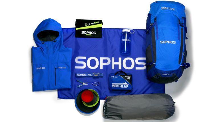 Die ersten 25 Partner, welche den Zertifizierungskurs zum SafeGuard Engineer geschafft haben, gewinnen ein Sophos Discovery Pack wie abgebildet. Die Promo-Aktion für Sophos Data Protection läuft vom 1. September bis 30. November 2015.