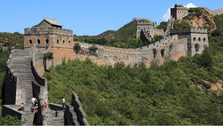 Um in einen neuen Markt einzusteigen, heißt es auch für Online-Händler, einige Mauern zu überwinden.