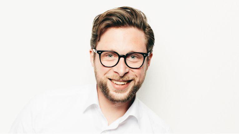 """Sebastian Deubelli, auf Medien- und Urheberrecht spezialisierter Rechtsanwalt in Landshut (www.deubelli.com): """"Abmahnungen, denen das Wort 'rechtswidrig' quasi über die Stirn geschrieben steht, sind in der Praxis sehr selten geworden."""""""