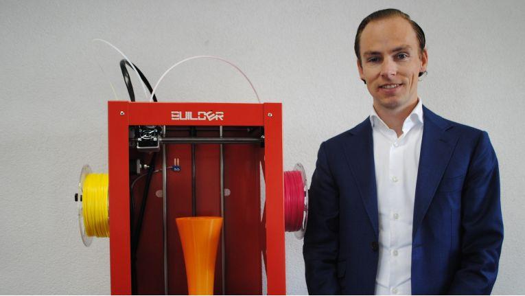 Niels Hunck, Sales Manager bei Builder3D, sieht im Bergheimer Distributor den perfekten Partner für den Vertrieb der 3D-Drucker in Deutschland.