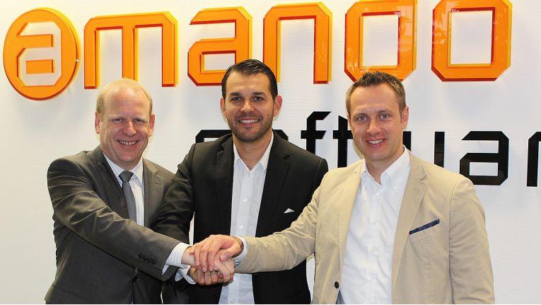Von links aus zu sehen sind Michael Drews, Geschäftsführer Amando Software, Filip Krokowski, Executive Vice President Products bei Comparex und Christian Terwiel, Comparex Global Director Software Asset Management.