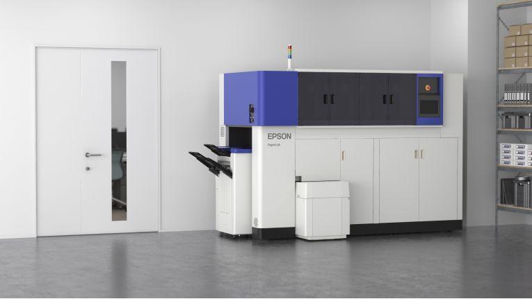 Die Papierfabrik im Büro kommt auf die CeBIT 2017: Das PaperLab von Epson kann aus Altpapier neues Papier herstellen.