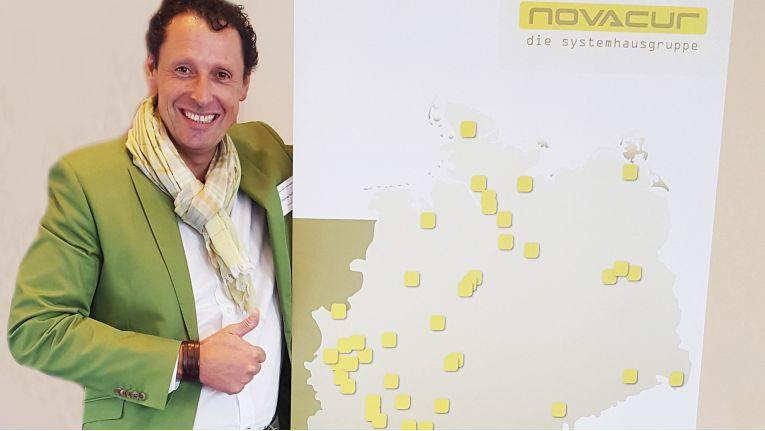 Die Novacur GmbH ist eine Verbindung engagierter Systemhausinhaber. Geschäftsführer Thomas Hoffmann, selbst Eigentümer eines Systemhauses, hat die Gruppe im Oktober 2009 mit dem Ziel gegründet, sich untereinander über Wissen, Erfahrung und Arbeit auszutauschen.