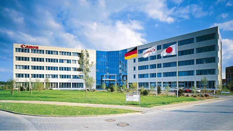 Wie von Canons Deutschland-Zentrale in Krefeld (Bild) verlautet, haben Allnet und Videor das nötige Wissen, um komplette Sicherheitslösungen mit Netzwerkkameras zu vertreiben.