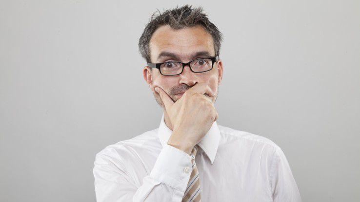 """Ein Vorstellungsgespräch bekommt in der Regel nur derjenige, der kein """"schlechtes"""" Zeugnis vorlegt. Aber was macht ein Arbeitszeugnis verdächtig?"""