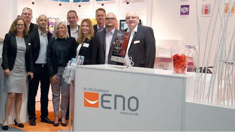 Das Eno-Team steht schon für die IFA bereit, um Fachhändlern die richtigen Impulse fürs Weihnachtsgeschäft zu geben.