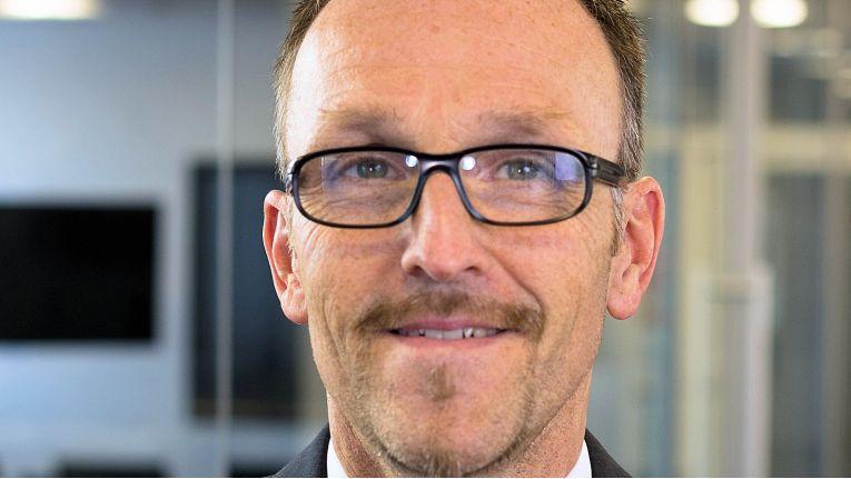 Martin Bauer, Vice President der VITEC Imago, unterstreicht die Bedeutung, die Add-On Products der Value-Added-Kompetenz des spezialisierten AV-Distributors in DACH und Osteuropa beimisst.