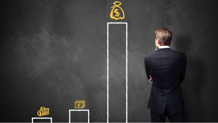 Die richtige Taktik? Geld ist nicht alles, Sie können auch andere Mehrwerte für Ihre Arbeitsleistung ins Spiel, beziehungsweise ins Gespräch, bringen und aushandeln.