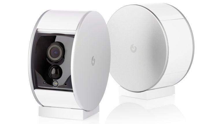 Anfang des Jahres wurde Myfox mit dem International CES Innovation Award 2015 ausgezeichnet. Die Produkte Myfox Home Alarm und die Myfox Security Camera (Bild) erhielten den iF Design Award.