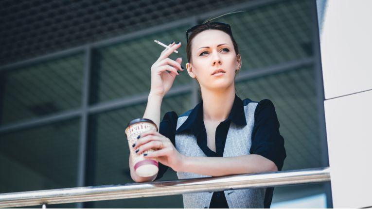 Darf der Arbeitnehmer darauf vertrauen, dass in seinen Raucherpausen das Gehalt weitergezahlt wird?