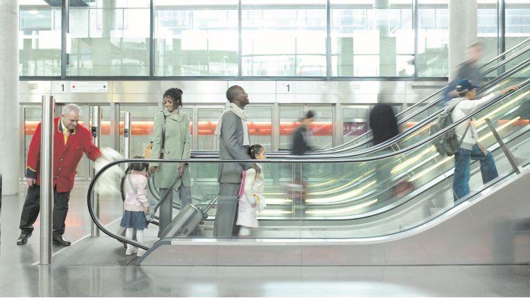 Die auf Aufzüge und Fahrtreppen spezialisierte Schindler Holding zieht sich nach und nach aus der Also Holding zurück.